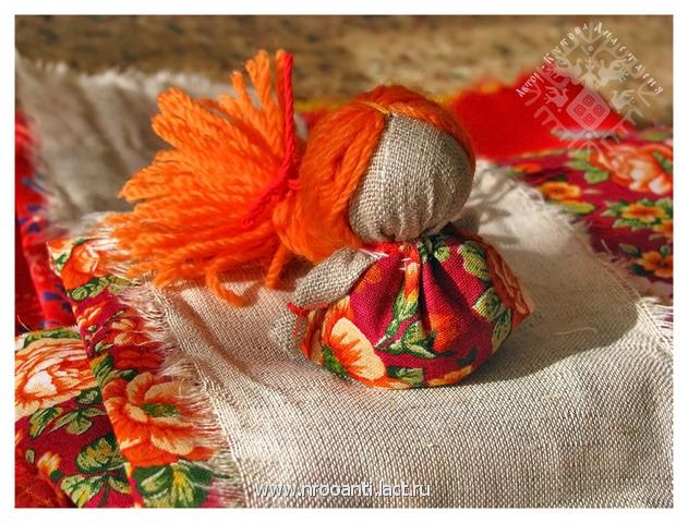 Красивая народная кукла своими руками